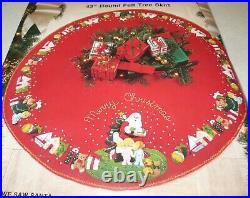 1991 WE SAW SANTA Claus 43 Christmas Tree Skirt Felt Applique Embroidery Kit