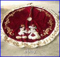 2010 Disney Parks Mickey Victorian Christmas Tree Skirt