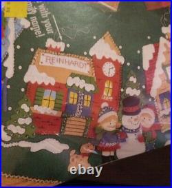 Bucilla CHRISTMAS VILLAGE 43 Felt Tree Skirt Kit 83980 NIP