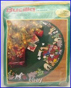 Bucilla Christmas Felt Applique Kit 43 Tree Skirt NOAH'S ARK #84082 Holiday New