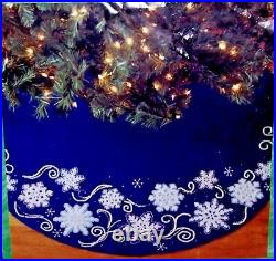 Bucilla SHIMMER SNOWFLAKES Felt Tree Skirt Kit Dark Blue Vintage Sterilized Mint