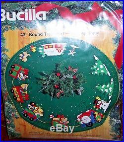 Bucilla Santa'sChristmas Express Train Vintage Felt Tree Skirt Kit43 RARE