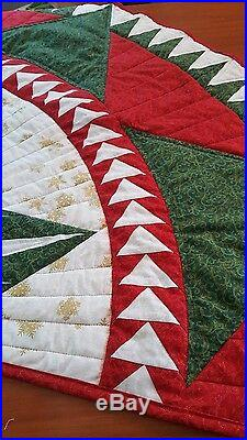 Christmas Celebration Quilted Tree Skirt a Judy niemeyer quilt