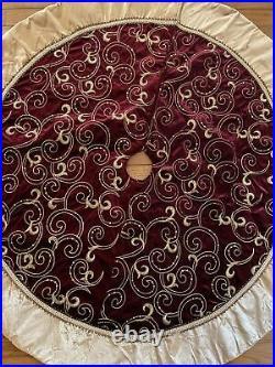 Christmas tree skirt Velvet Embroidered 46 inches Diameter
