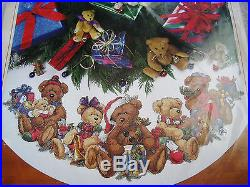 Dimensions Counted Cross Stitch Tree Skirt KIT, CHRISTMAS BEARS, Teddy, Family, 8693