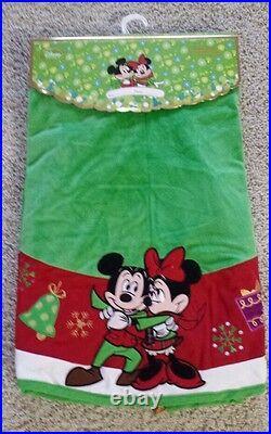 Disney 2012 Mickey And Minnie Christmas Tree Skirt-new