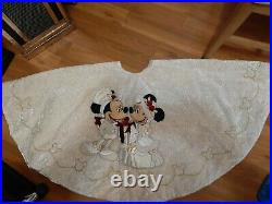 Disney Parks Mickey Minnie Mouse Victorian Tapestry Christmas Holiday Tree Skirt