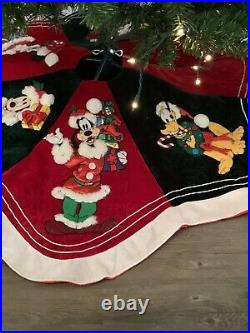 Disney Parks Mickey Mouse And Friends Christmas Tree Skirt Large 50 Vintage