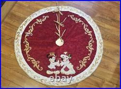 Disney Parks Victorian Mickey/Minnie Christmas Tree Skirt Rare / Retired