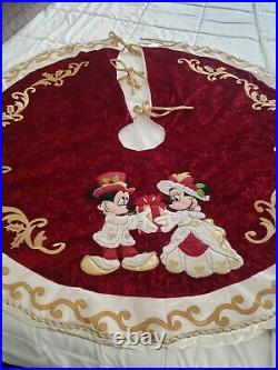Disney Parks Victorian Mickey & Minnie Tapestry Christmas Holiday Tree Skirt