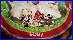 Disney Store Mickey & Minnie Family Christmas Tree Skirt Patchwork Holiday Pluto