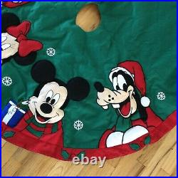 Disney World Parks Mickey Minnie Goofy Donald Duck Christmas Tree Skirt 50in