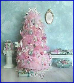 Dollhouse Miniature Shabby Cottage Chic CHRISTMAS TREE w Skirt + Presents 7 Pc
