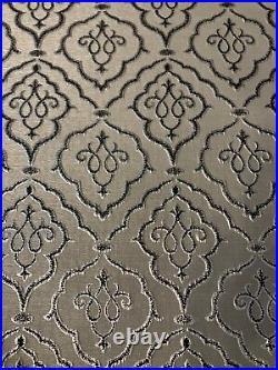 Elegant Luxurious Christmas Tree Skirt Gray Grey Silver Black Damask 54d