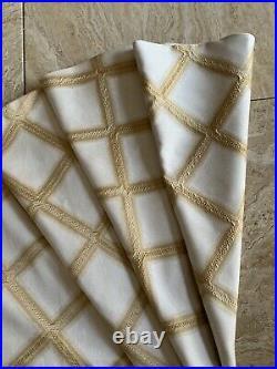 Elegant Luxurious Christmas Tree Skirt Ivory White Gold Diamond 53D