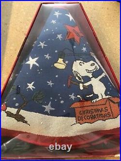 Hallmark Peanuts Lighted Snoopy Christmas Tree Skirt