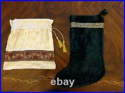 Luxury Emerald Green/White Rayon Velvet Reversible Christmas Tree Skirt NWOT