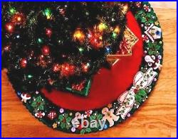 MARY'S WREATH Engelbreit BUCILLA Felt Christmas Tree Skirt Kit OOP FactoryDirect