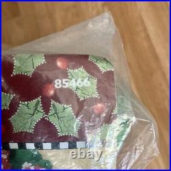 NIP MARY'S WREATH Engelbreit BUCILLA Felt Christmas Tree Skirt Kit 42 Round