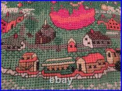 NM Vint Heirloom Hand Cross Stitch CHRISTMAS TREE SKIRT 41 diam XMAS Decoration