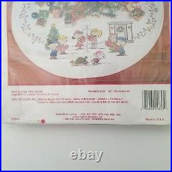 Needle Treasures Cross Stitch Kit Peanuts Sing Along Tree Skirt Christmas 2853