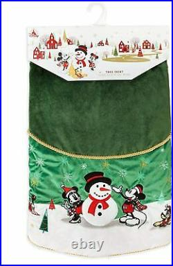 New Disney Mickey & Minnie Mouse and Friends Christmas Green Holiday Tree Skirt