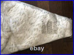 Pottery Barn Faux Fur Light Fox Tree Skirt Christmas Tree Decor New