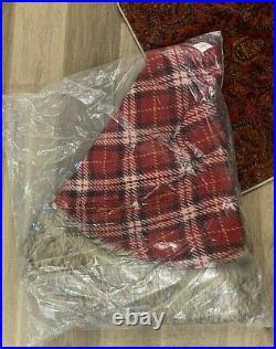 Pottery Barn Faux Fur and TARTAN PLAID Christmas tree skirt NWT Nottingham