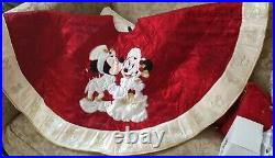 RARE Disney Parks Mickey Minnie Mouse Victorian Christmas Holiday Tree Skirt