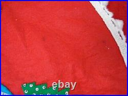 VINTAGE FELT APPLIQUE CHRISTMAS TREE SKIRT hand stitched beads sequins 49