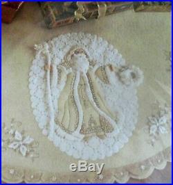Very Rare BUCILLA felt TREE SKIRT kit 85326 2006 WHITE CHRISTMAS NIP